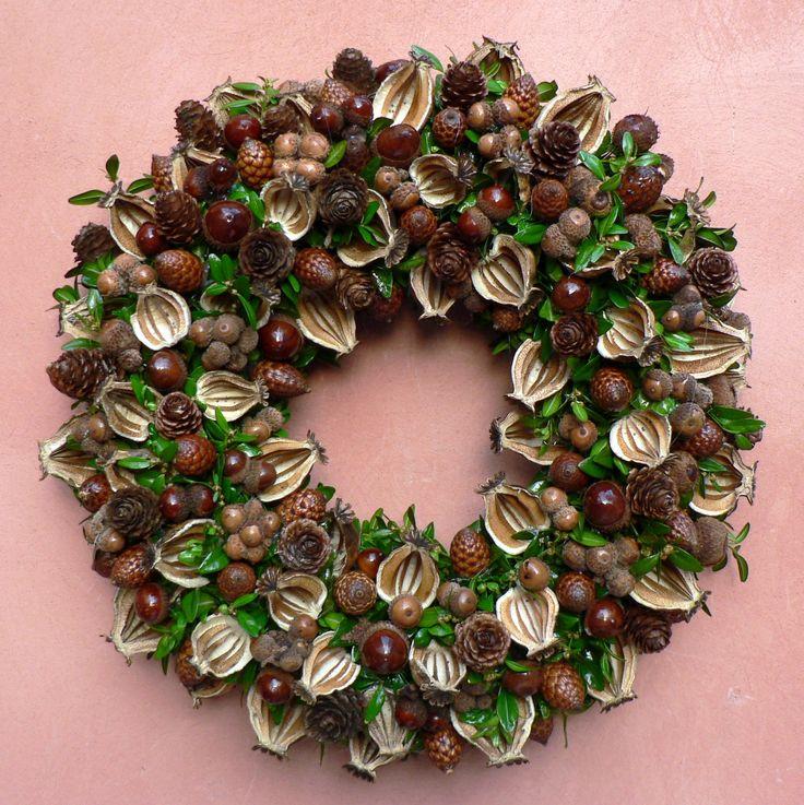 Přírodní podzimní Průměr 33 cm.Celoroční dekorace.