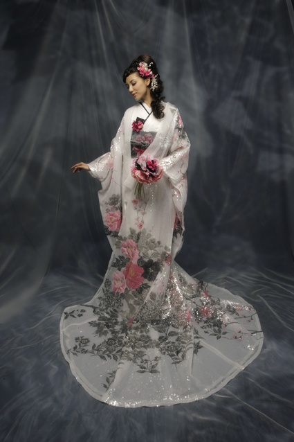 beautiful, refined, elegant japanese dress, maybe weddingdress?