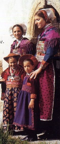 Folk costume of the Arvan Valley, Savoie, France