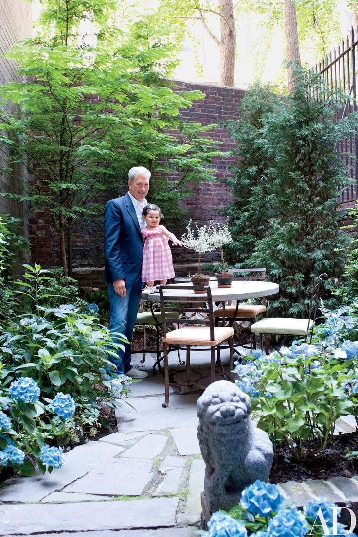 (Small space, big impact!)Look Inside Robert Duffy's Historic Manhattan Townhouse Photos | Architectural Digest