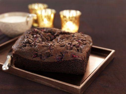 Dit zijn hele luxe #brownies met een lekkere combinatie, perfect voor #Kerst: #chocolade met #cranberry's en #sinaasappel. Klik op de afbeelding voor het #recept.