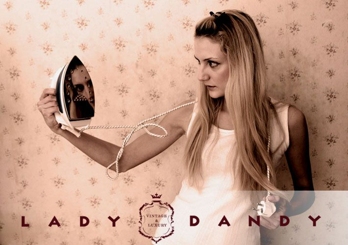 Brussels' shop Lady Dandy  Lady Dandy is een vintage boetiek met tweedehands kledij, accessoires en luxe vintage.  Edelknaapstraat 81, 1050 Elsene