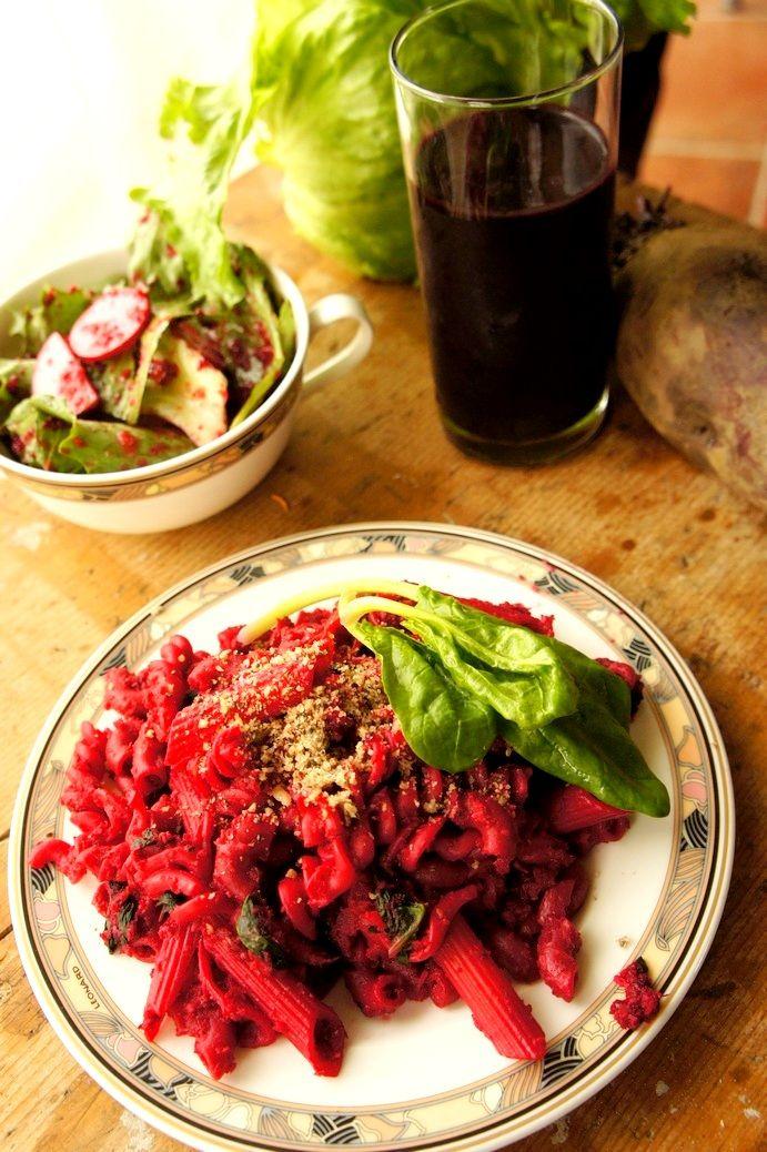 Rote Rüben Halloween Pasta