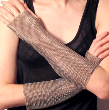 Elbow+length+Chain+Mesh+sleeves+made+of+stainless+steel+ring+mesh.