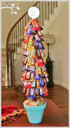 DIY Candy Bar Tree- Fabulous gift idea for b-days, holidays, graduation or just about any ocassion! Add some dollar bills in their too if you are wanting to gift money!