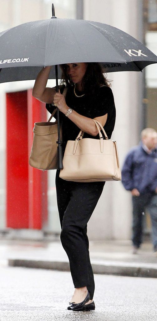 Pippa Middleton is carrying a @Coach, Inc. bag and we love, love, love her for it! #coachboroughbag