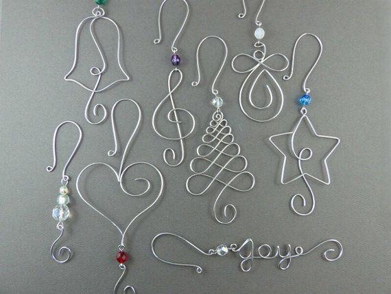 FÜNF Perlen Weihnachten Ornament Haken – Draht Ornament Kleiderbügel mit Perlen für einzigartige Weihnachtsschmuck – Draht Weihnachtsbaum Dekorationen