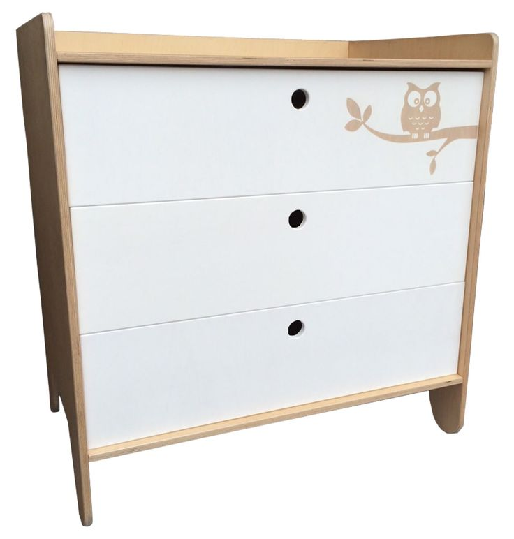 Modern Compactum with owl detail