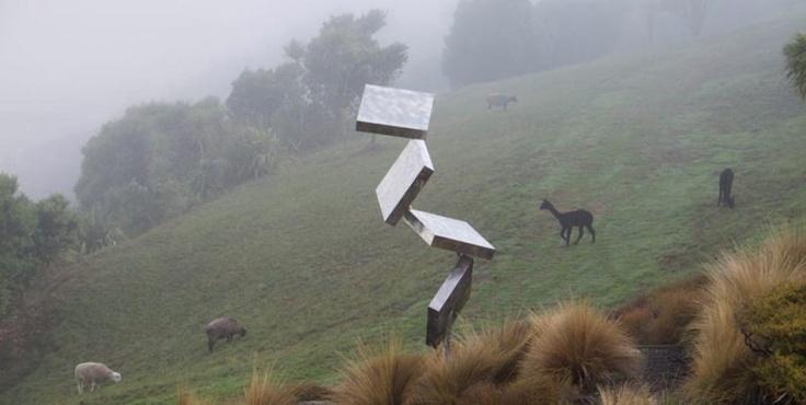 sculptures-art-Alan-Gibbs-7