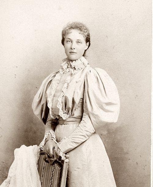 """Isabella of Orleans was an exceptionally beautiful French princess.  Her parents were Prince Philippe, Count of Paris, and Infanta Maria Isabelle of Spain.  Isabella married her first cousin, Prince John, Duke of Guise in 1899.  He was the Orleanist Pretender to the French throne as """"King John III"""".  Isabella and her prince had four children."""