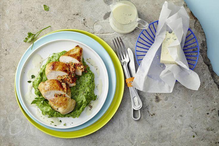 Das Rezept für Gefüllte Hähnchenbrust auf Brokkolibett mit Käsesoße mit allen nötigen Zutaten und der einfachsten Zubereitung - gesund kochen mit FIT FOR FUN