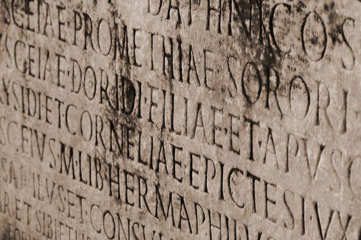 V roku 1849 sa anglický archeológ aprieskumník Sir Austen Henry Layard ocitol medzi ruinami starého Babylonu vjužnej Mezopotámii. Práve tam objavil prvé zlomky toho, čo sa stalo jednou znajsporn…