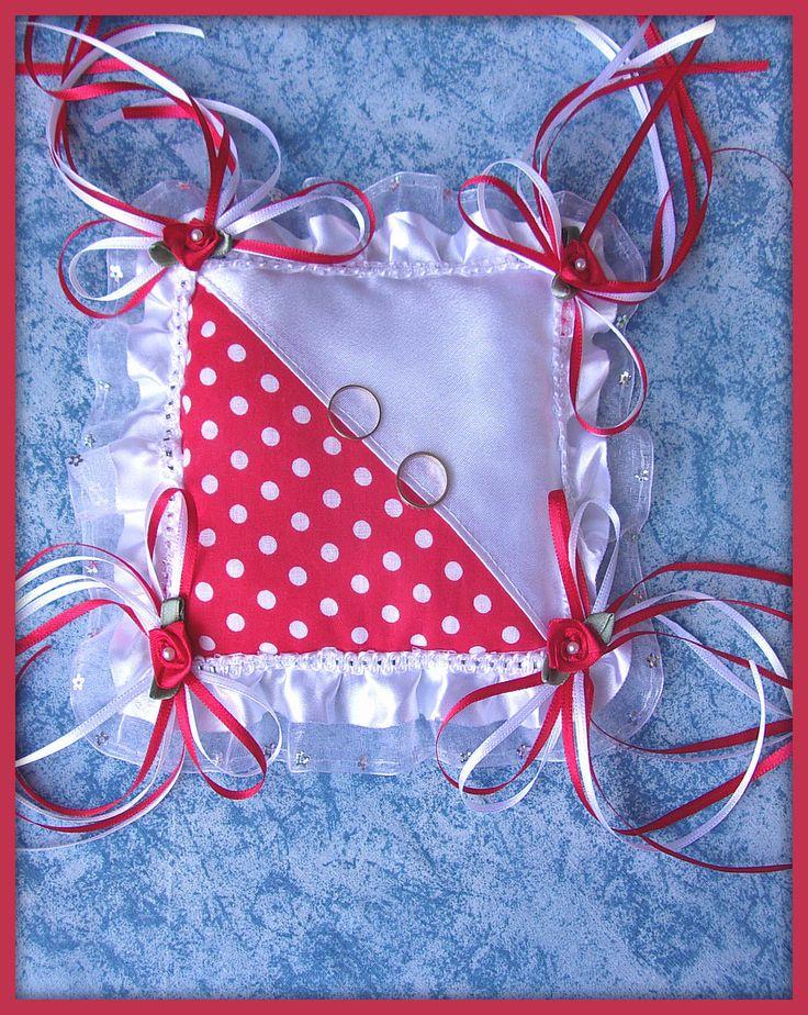 Coussin tissu blanc/rouge galon mariage : Accessoires de maison par orkan28
