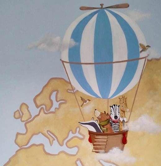 Pintura mural. Habitación infantil. Animles en globo sobre un mapa Mundi