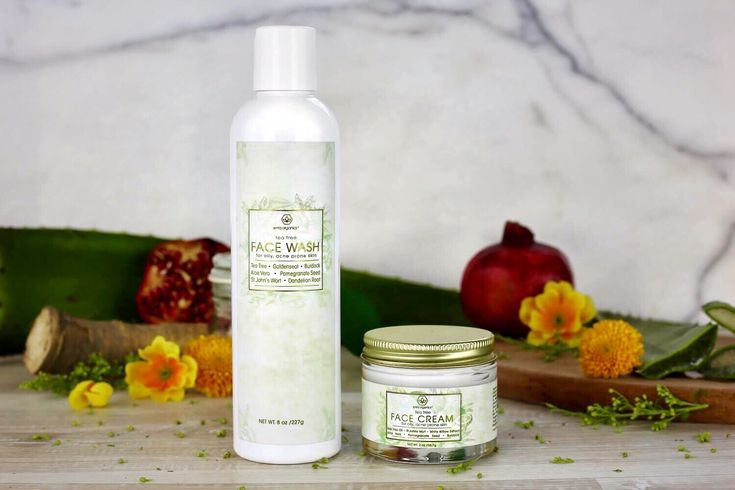 💐Spring cleaning time! Clean up your skin with our Tea Tree Wash and Cream. 💐