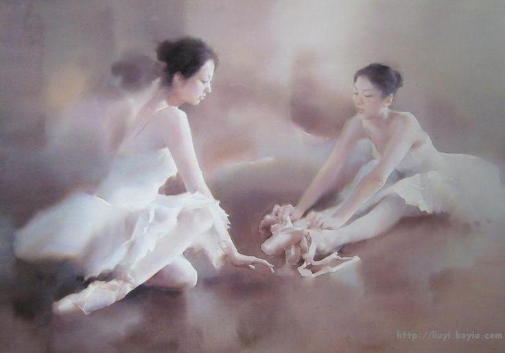 Акварели китайского художника Ли Йи можно смело назвать искусством об искусстве. Ведь его излюбленной темой являются образы людей, имеющих к нему непосредственное отношение, — к примеру, балерин или классических музыкантов. Своеобразен способ их подачи на картинах: люди как будто проступают из тонкой мглы, эмоциональные и очень характерные. В какой-то мере они перекликаются с образами балерин французского художника Эдгара Дега.
