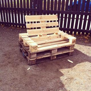 Lænestole til de søde børn på job....  #sol#sommer#nejjegfårikkesnedkertillæg!!