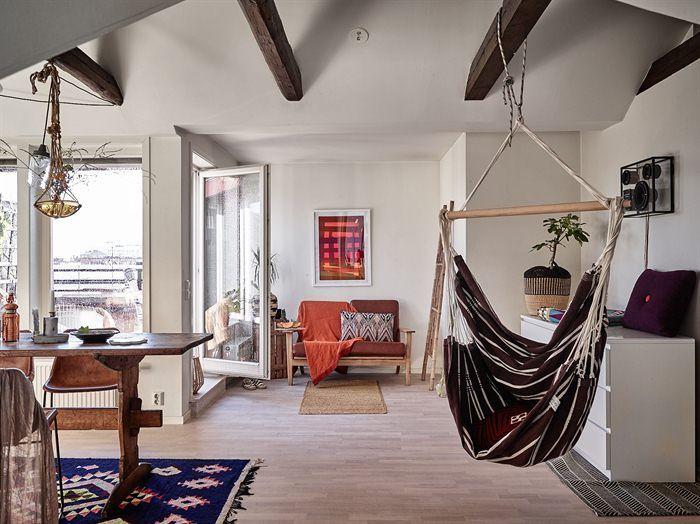 Amenajare boemă și relaxată într-o mansardă de 68 m²
