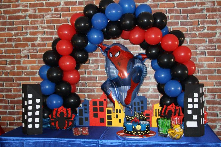 spiderman table balloon arch