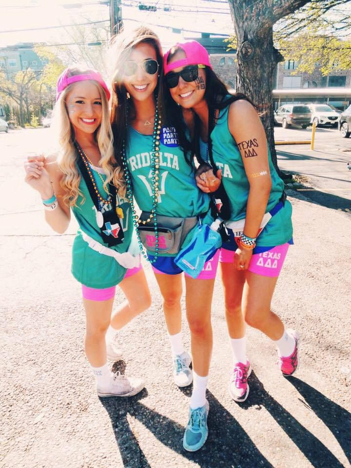 Delta Delta Delta at University of Texas #DeltaDeltaDelta #TriDelta #FannyPack…