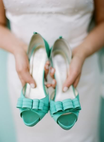 sweet bow heels http://www.theperfectpalette.com/2012/01/aqua-dreams-soft-and-romantic-palette.html