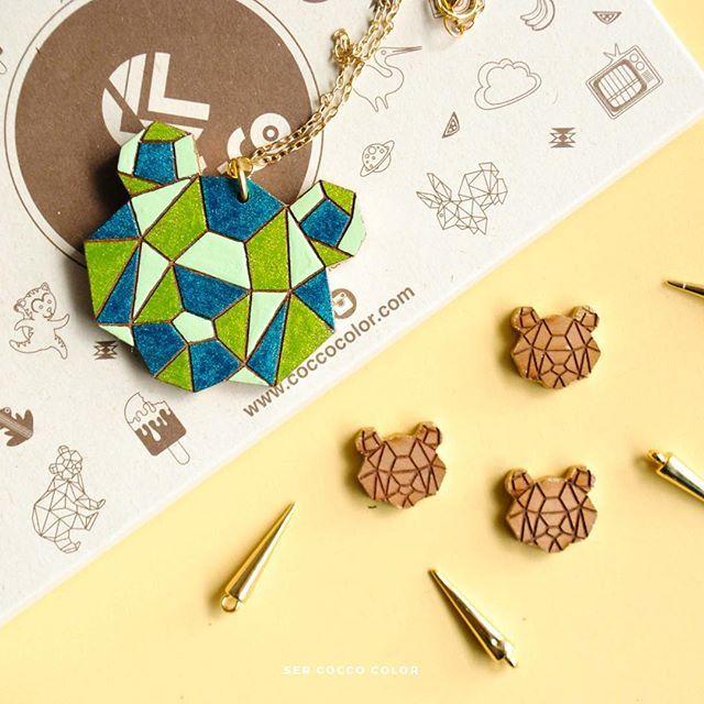 Ya casi Navidad!! 🙌🏼🙌🏼 Y tu ya tienes tu regalo Cocco Color? 🎁🎉🎁 #accesoriosdemadera #colombia  #identidad #fashion #trendy #moda #modafemenina #diseñoindependiente #diseño #blogger #fashionblogger #coccocolor #hechoamano #hechoencolombia #diseñocolombiano #artesania #artesanal