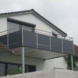 gel nder mit glas und blech balkongel nder pinterest balconies balcony privacy and steel. Black Bedroom Furniture Sets. Home Design Ideas