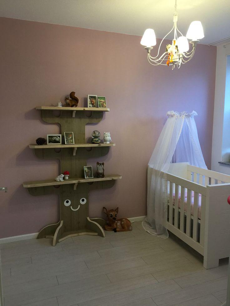Boom boekenplank tree bookshelf woodland baby nursery kinderkamer bos forest