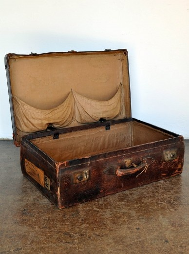 55 best Leather suitcases images on Pinterest | Leather suitcase ...