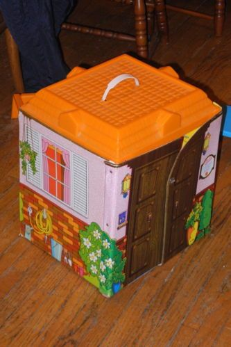 Vintage Barbie Country Living Home Vinyl Doll House By