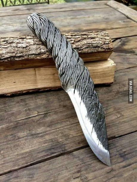 Are we still into knifes? I think this one is beautiful.