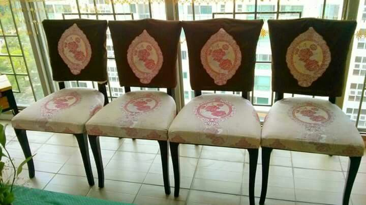 http://myrockingcradle.com/2015/07/diy-reupholstered-dining-chairs/  Upholstered chair
