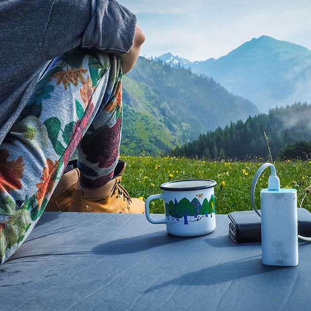 Morning above Tusheti  #livesimply #georgia #gruzja #morning #tplink #peaceful #mountains #mountainlife #liveadventurously #ComeBackNew #collectivelycreate #powerbank
