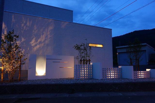 夜も魅了する外構 グリーンステージ 福井県M様邸 Spectacular garden lighting by lighting professionals. Enjoy a dramatic, romantic, even mysterious scene comparing to a day time.