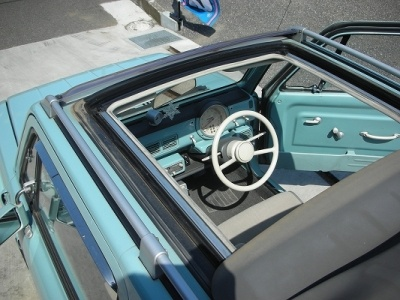 Nissan Pao electrical sun roof and sneak view on the dash