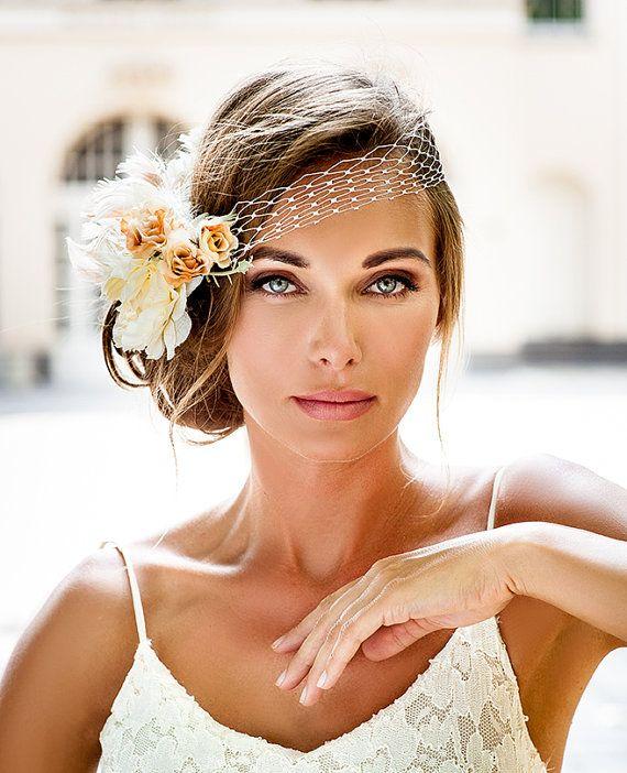 Velare del birdcage stile bandeau. collezione di gioielli di 2016 sposa capelli. Velo da sposa stile vintage.  Velo rosa avorio fiore.  Nozze reali