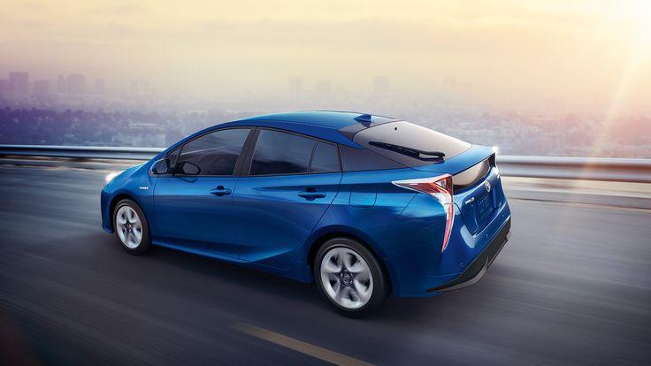 Toyota Prius Interior & Exterior Photos
