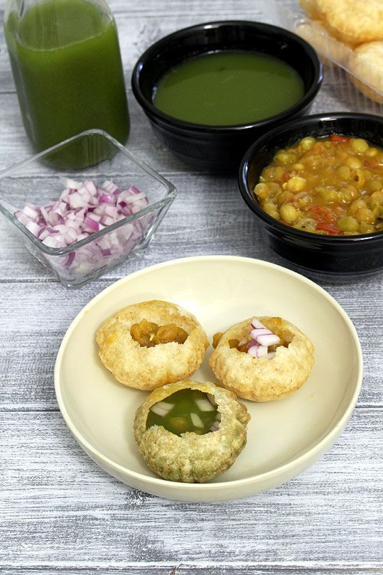 Ragda pani puri -->> It tastes best when ragda is served warm and pudina pani is chilled.