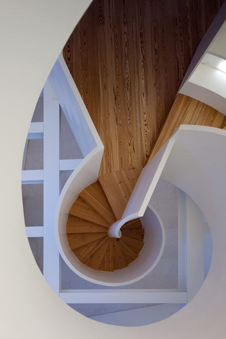 in a whirl over this spiral staircase!: Exterior Stairs, Maia Gome, Spirals Staircases, Houses Antero, De Quental, Stairs Architecture, Antero De, Manuel Maia, Wood Stairs