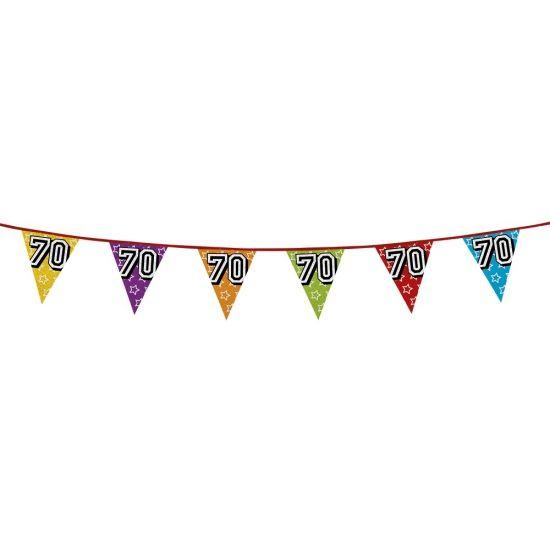 Glitter vlaggenlijn 70 jaar van 8 meter voor een 70ste verjaardag. Een glitter vlaggenlijn (holografisch) met vlaggetjes in diverse kleuren van ongeveer 8 meter lengte met op elke vlag het cijfer 70.