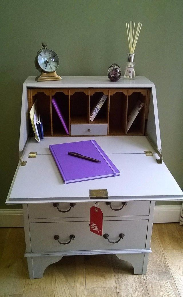 Shabby Chic Vintage BUREAU Desk / DRESSING TABLE with Key For Sale in Stotfold, Nr Hitchin, Hertfordshire | Preloved