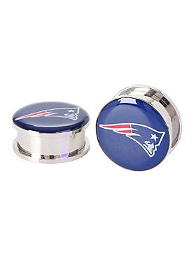 "<p>A pair of 316L surgical steel spool plugs with New England Patriots logo designs. Back screws on and off.</p>  <ul> 	<li><span id=""bullet0"">316L surgical steel </span></li> 	<li><span id=""bullet1"">1/2"" wearable length</span></li> 	<li><span id=""bullet2"">Imported </span><span id=""bullet2Span"">&nb..."