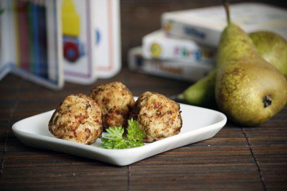 Gluten-free chicken, apple & pear balls **Baby food 6-8 months