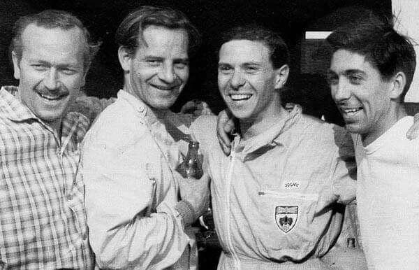 1960 Zandvoort : Colin Chapman, Innes Ireland, Jim Clark & Alan Stacey (ph: slotforum.com)