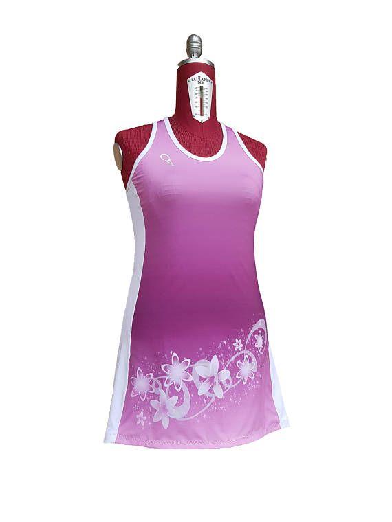 Guarda questo articolo nel mio negozio Etsy https://www.etsy.com/it/listing/584682905/vestito-per-il-tennis-femminile-sfumato