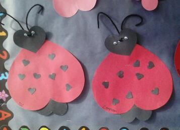 Valentines Day Craft for Kids! >>> Valentines Day Love Bugs http://madamedeals.com/valentines-day-love-bugs/