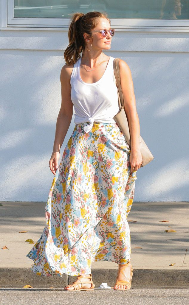 Minka Kelly from The Big Picture: Today's Hot Pics  Fresh off her Mexican getaway, the star is back in L.A looking floral and fabulous.
