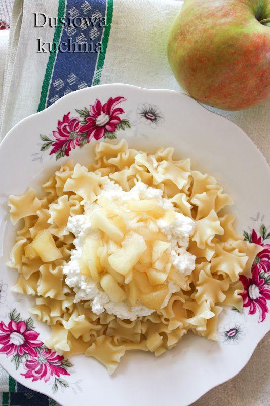 Dusiowa kuchnia pyszne przepisy: Makaron z twarogiem i jabłkiem.