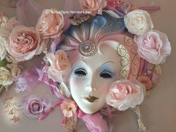 Rozen van papier, decoraties met rozen, workshop rozen van papier, boeketten rozen  en sieraden,boekje over mijn rozen, vintage boeket met bijoux, engelse rozen, rozen van kant,rozen van papier bestellen, oude engelse rozen, high tea, workshop kransen van rozenblaadjes en rozen van papier, workshop in Frankrijk, bruidsboeketjes van kanten rozen en papier, kransen en guirlandes, kerstdecoraties.