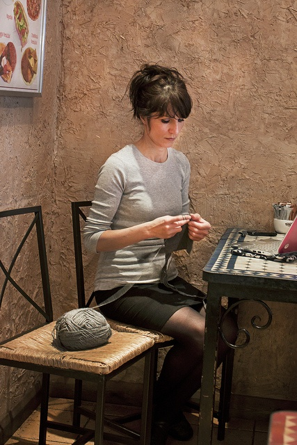 Knitting lady by GraemeGeorge85, via Flickr
